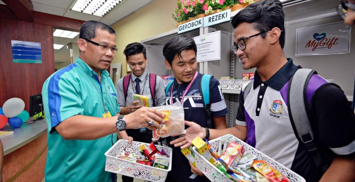 UMP Cares – Food for All Programme for students and the needy