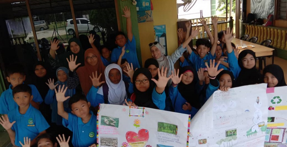 Reach-Out Programme with Integrated Islamic School Kuantan: 'TOEFL® Young Students Series GO English! Project'