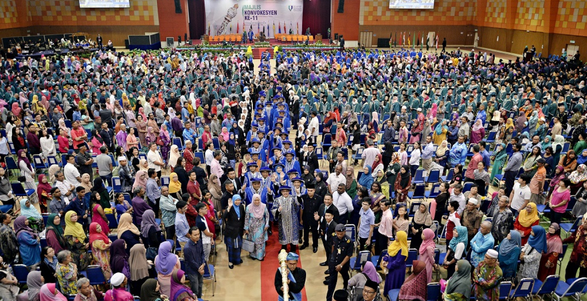 UMP proudly produces 2,773 graduates in its 13th Convocation