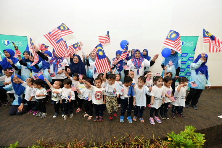 Fun Merdeka walk while flying the Jalur Gemilang
