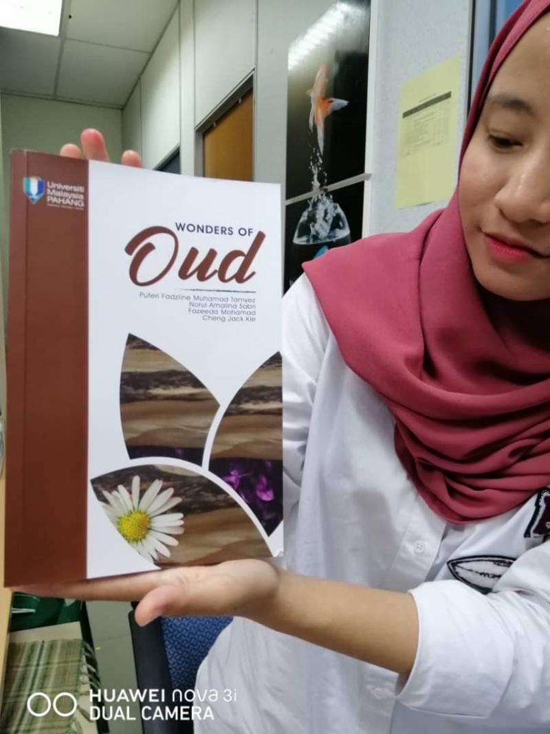 Buku `Wonders of Oud' rungkai keunikan pokok gaharu
