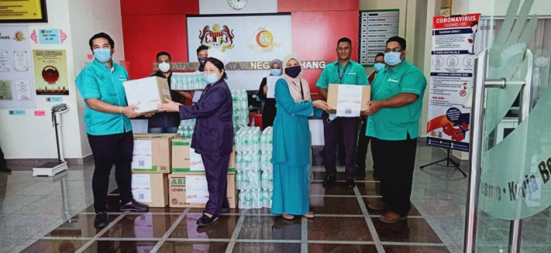 UMPH donates 1,000 face shield and drinking water to the healthcare workers