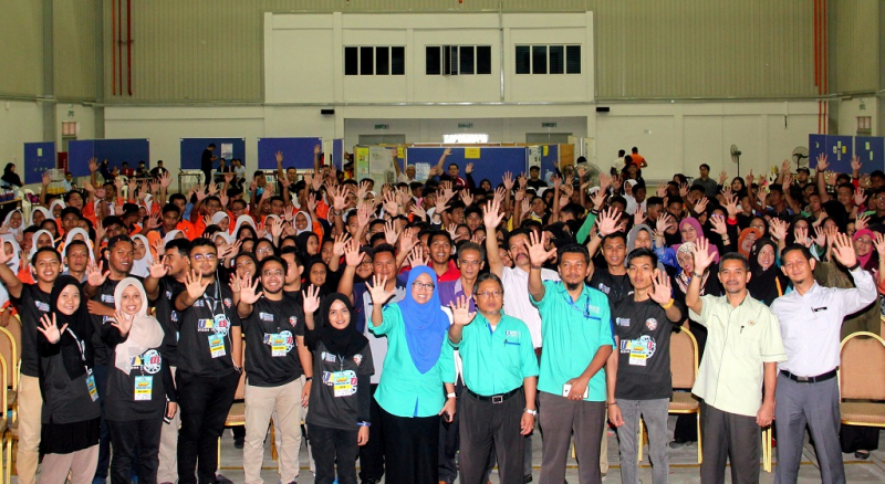 500 school students explored the world of engineering in UMP