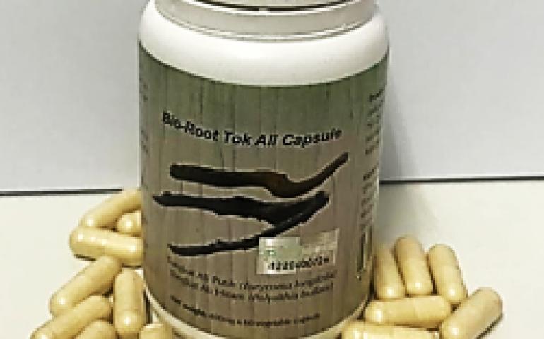 Assoc. Prof. Dr. Jaya Vejayan produces Bio-Root Tok Ali capsules