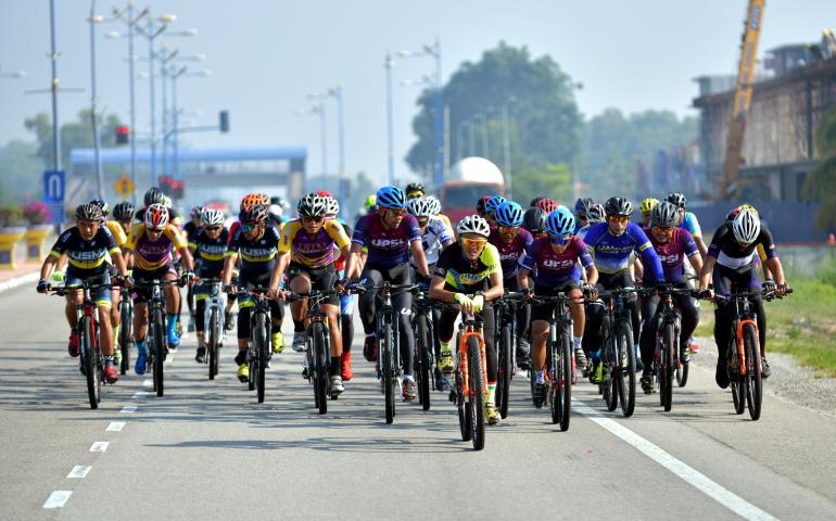Atlet Berbasikal UMP Sumbang Pingat