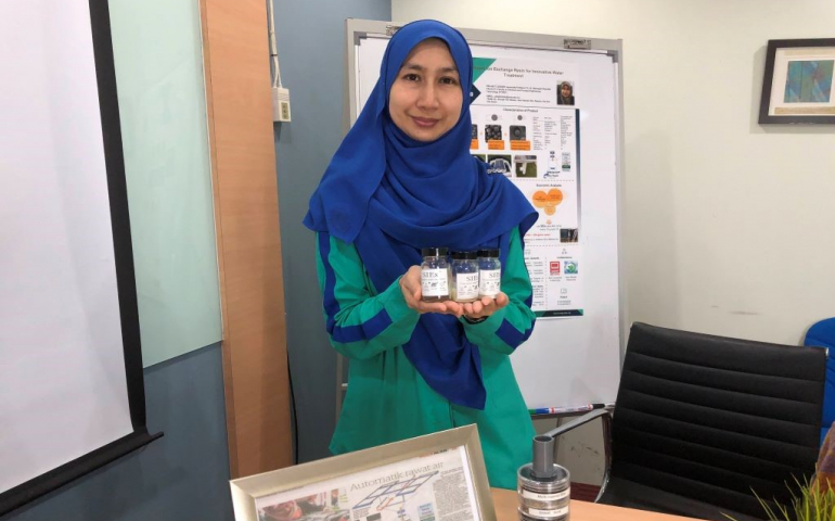 Associate Professor Ts. Dr. Norhayati invents water treatment process using resin